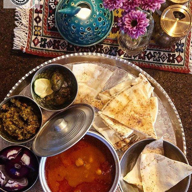 What is Dizi? A kind of Persian Food Cooked in Stone Pots